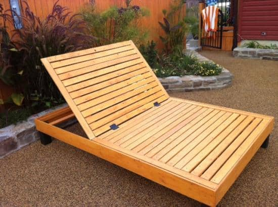 Outdoor futon base