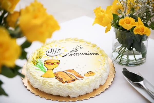 First holy communion cake and flowers