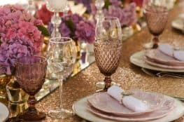 decorative-glitter-table-cloth
