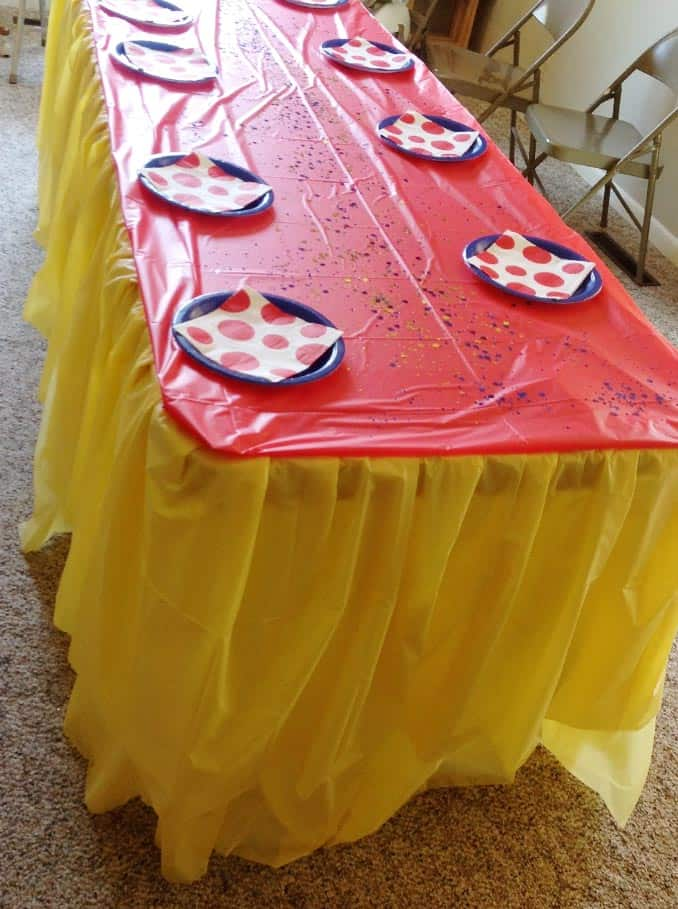 flowing-table-skirt-idea