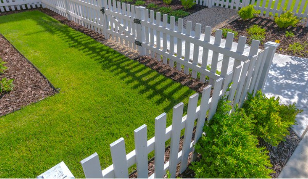 front-yard-fence-idea