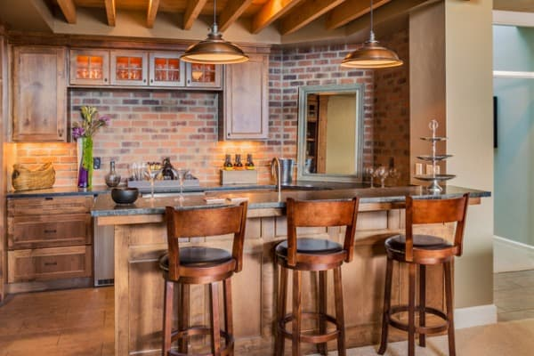 furnished-bar-in-new-luxury-home