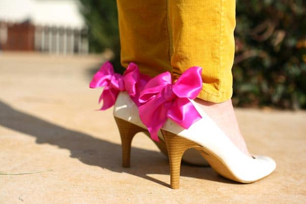 pink-bow-shoe-clips-worn-on-back